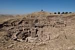 Zbytky neolitického chrámu Göbekli Tepe v Turecku