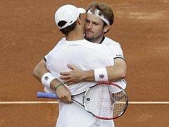 Deblový pár Mardy Fish, Mike Bryan uchoval Američanům naději na postup do finále Davis Cupu.