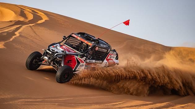 Buggyra testovala v poušti.