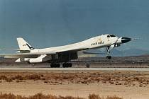 Americký bombardér B-1.