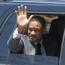 Herec Will Smith míří na pohřeb legendárního boxera Muhammada Aliho.