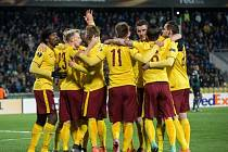 Fotbalisté Sparty se radují z gólu proti Krasnodaru.