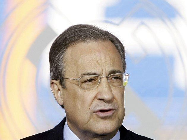 Co slíbil, to splnil. Prezident Realu Madrid Florentino Pérez přilákal do španělského velkoklubu dvě fotbalové ikony Kaká a Cristiana Ronalda.