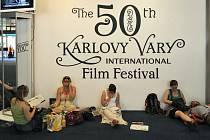 Padesátý ročník Mezinárodního filmového festivalu v Karlových Varech uvede dnes desítky projekcí. Ilustrační foto.