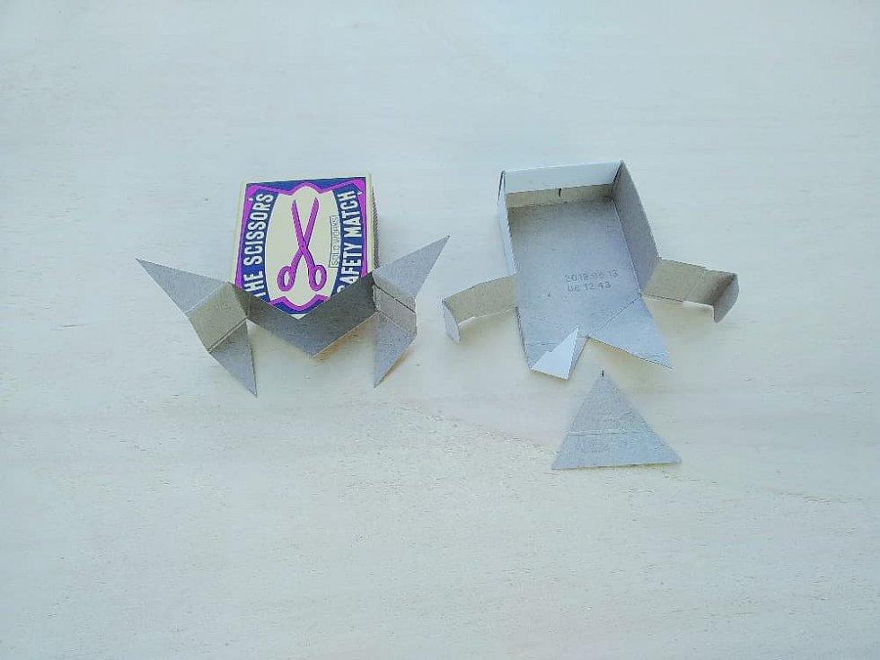 Domeček z krabiček od zápalek