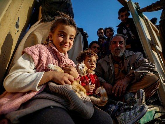 Kvůli bojům o irácký Mosul uprchlo za poslední tři týdny ze svých domovů přes 41.000 Iráčanů.