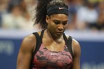 Serena Williamsová porazila ve čtvrtfinále US Open svoji starší sestru Venus.
