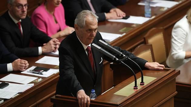 Prezident Miloš Zeman před poslanci.