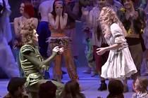 Účinkující ve skotském divadle požádal o ruku svou lásku během představení.