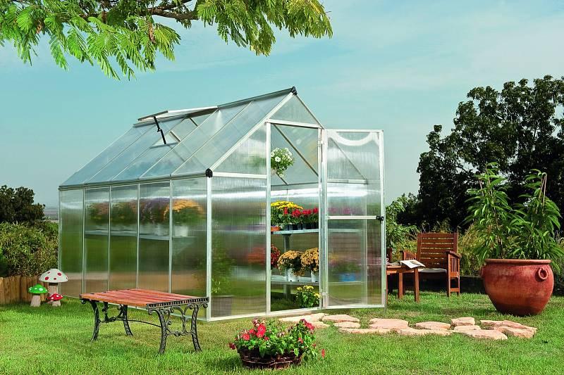 Ideálním obdobím ke stavbě skleníku je podle zahradníků babí léto.