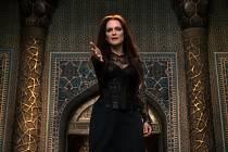 Zákeřná čarodějnice Malkin v podání Julianne Mooreové ve fantasy Sergeje Bodrova Sedmý syn.