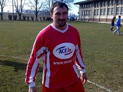 Nesmlouvavý červenojanovický fotbalový obránce Vladimír Bouma.