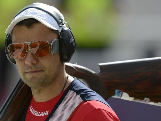 Střelec David Kostelecký na olympijských hrách v Londýně nezvládl kvalifikaci.