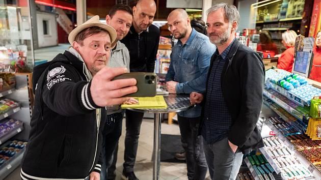 Kampaň za očistu fotbalu: speciální video natočili i Petr Čtvrtečník a Ivan Trojan