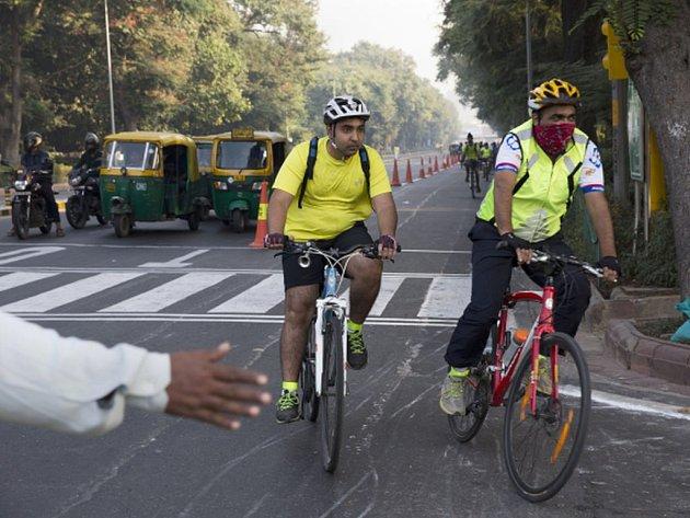 Indická metropole Dillí, kterou Světová zdravotnická organizace (WHO) označila za město s nejhorším ovzduším, dnes poprvé vyhlásila den bez automobilů.