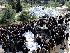 V Izraeli byly v úterý pohřbeni Yohan Cohen, Yoav Hattab, Philippe Braham a François-Michel Saada, které minulý týden v pátek v židovském obchodě v Paříži zastřelil terorista Amedy Coulibaly.