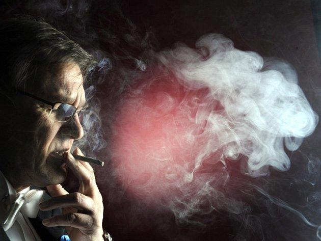 V Česku si už svoji DNA dalo prozkoumat přes 400 kuřáků, aby zjistilo, zda má jejich závislost na tabáku genetické příčiny.