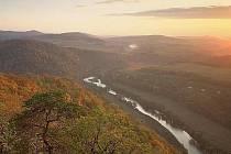 Křivoklátsko patří k ojedinělým územím v Česku i v Evropě. Listnaté a smíšené lesy a údolí Berounky s mnoha přítoky by měly být základem pátého národního parku v Česku.