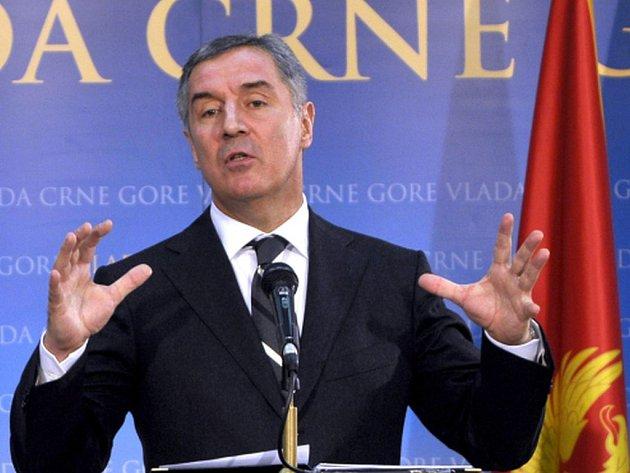 Černohorský premiér Milo Djukanović obvinil Rusko a nacionalistické kruhy v Srbsku, že stojí za nynějšími protivládními protesty, které od září v zemi organizuje opozice.