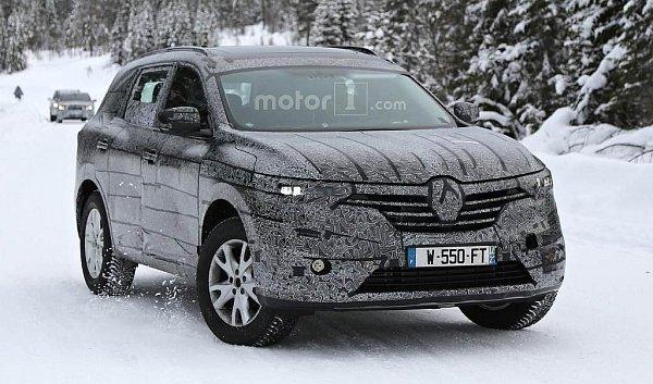 Renault ve Švédsku testuje nové SUV.