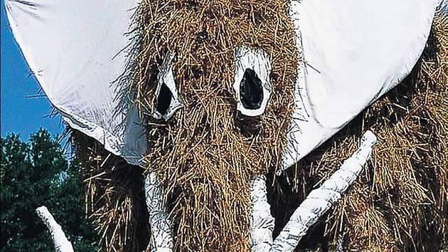 ŠŤASTNÁ ZEMĚ. Lovení mamuta si užijí děti i dospělí.