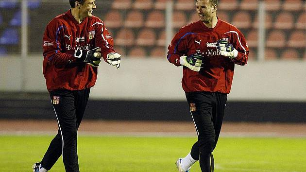 Gólmani Jaroslav Drobný (vlevo) s Janem Laštůvkou na tréninku české fotbalové reprezentace.
