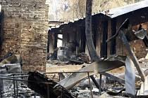 Domy v australském městě Kinglake, kde se přehnal požár buše.