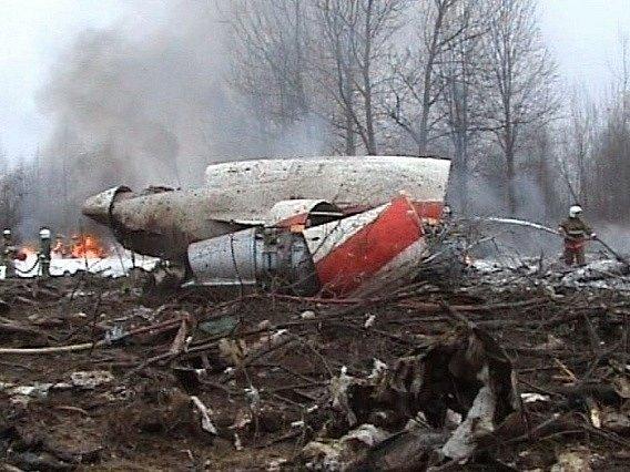 Trosky polského Tupolevu poblíž Smolensku.
