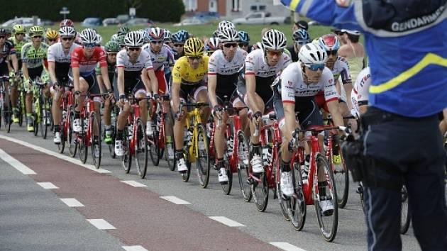 Z výsluní do stínu. Cyklista Hirt ztratil v páteční etapě Gira sedmnáct minut
