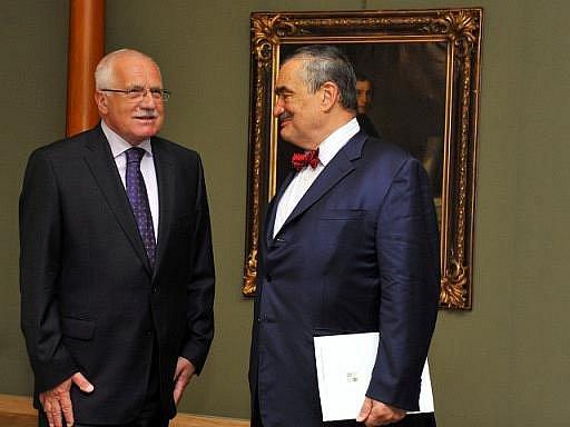 Prezident Václav Klaus přijal 12. srpna na Pražském hradě ministra zahraničí Karla Schwarzenberga.