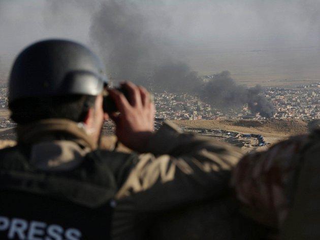 Oddíly iráckých Kurdů dnes vstoupily do severoiráckého Sindžáru.