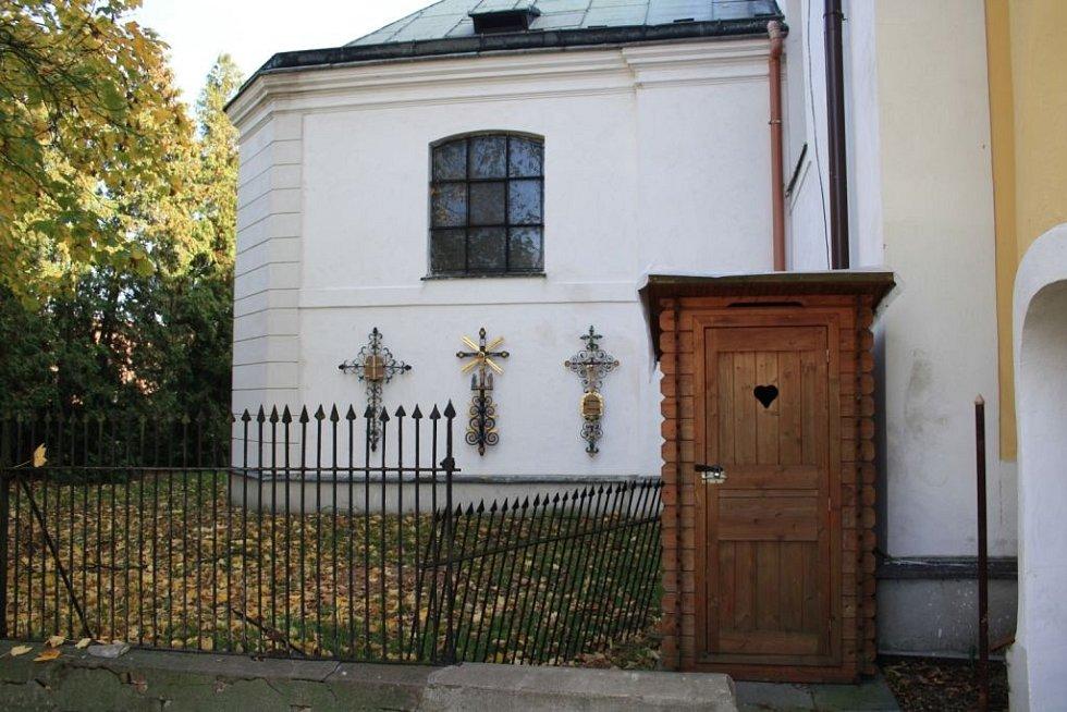 """Český poutník: """"Budečka"""" u kostela sv. Jakuba v Přelouči"""