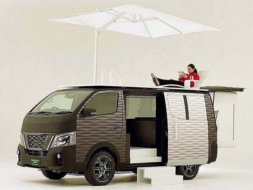 Kancelář na kolech: Nissan NV350 Caravan Office Pod