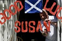 Susan Boyle se po vítězném tažení v britské obdobě SuperStar zhroutila. Vystoupila před publikum až po návratu z nemocnice.