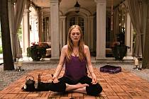 """CELEBRITA. Julianne Mooreová získala jako afektovaná """"hvězda"""" Havana Segrand cenu za nejlepší herečku v Cannes."""
