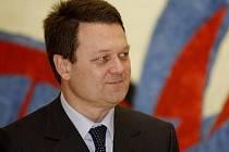 Briefing s novým ředitelem Evropského úřadu pro dohled nad globálním navigačním družicovým systémem (GSA) Carlem des Doridou proběhl 18. února v Praze v sídle GSA. Zúčastnil se ho i ministr dopravy Vít Bárta.