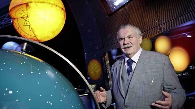 Ředitel Hvězdárny a planetária hlavního města Prahy  Marcel Grün