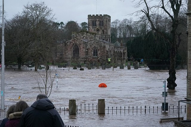 V Anglii bouři pojmenovali Ciara.
