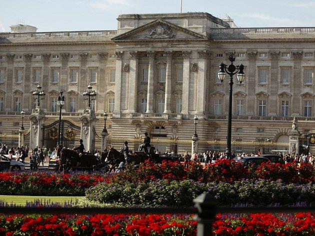 Buckinghamský palác, sídlo královny.