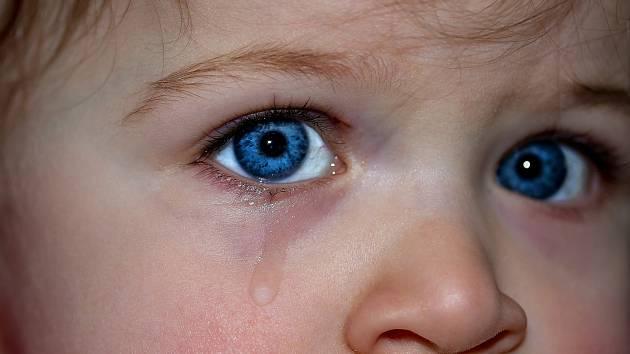 Přílišnou péčí vychováváme z dětí nesamostatné, křehké a úzkostné jedince