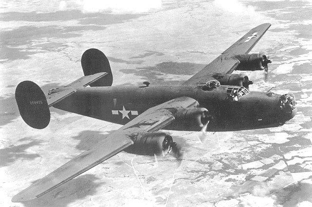 V noci z 8. na 9. dubna 1945 vypustil bombardér B-24 Liberator americké armády naváděný parašutisty z Carbonu u Kyjova 24 padáků s vojenským materiálem