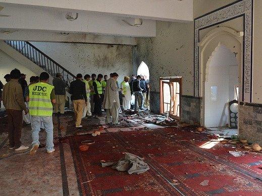 Útok v šíitské mešitě na jihu Pákistánu si vyžádal 40 mrtvých.