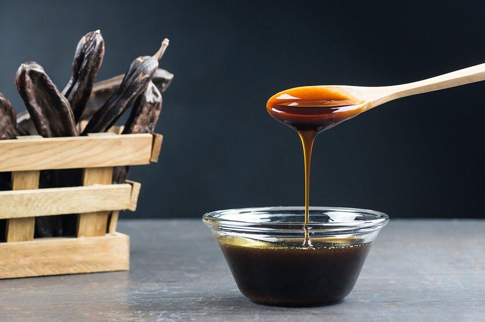 Melasa je odpadní materiál, který vzniká při výrobě třtinového cukru. Obsahuje jen asi 20 procent cukrů.