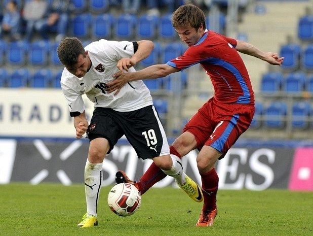 "Česko ""21 - Rakousko ""21: Zleva Kevin Stöger z Rakouska a David Houska z ČR."