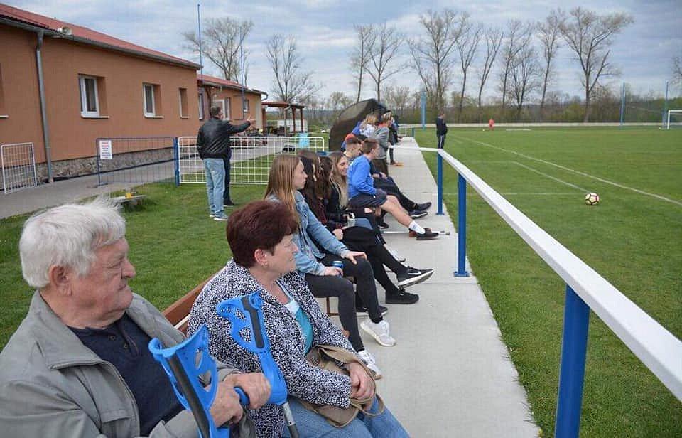 Naše fotbalová rodina ve Vrdech na Kutnohorsku.