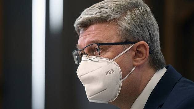 Ministr průmyslu a obchodu Karel Havlíček (za ANO)