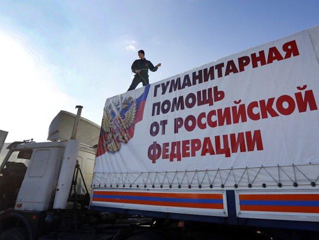 Na rusko-ukrajinskou hranici dnes ráno dorazila další kolona vozidel s ruskou humanitární pomocí pro obyvatele povstaleckých zón na ukrajinském Donbasu.