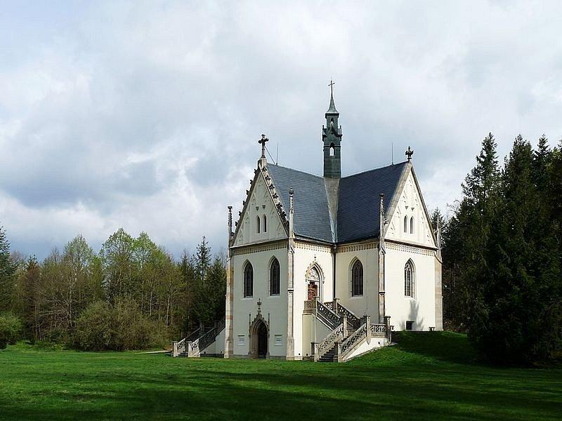 Schwarzenberská knížecí hrobka u zámku Orlík