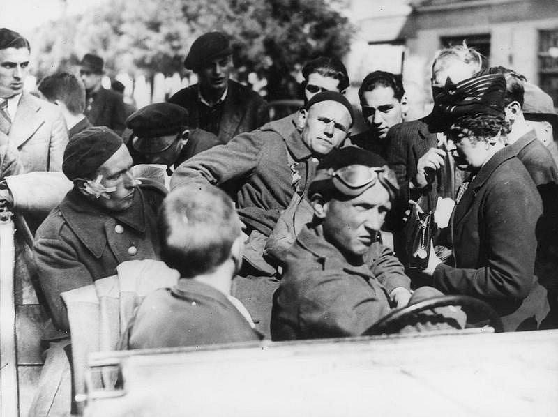 Polští vojáci, prchající z okupovaného Polska, na rumunských hranicích