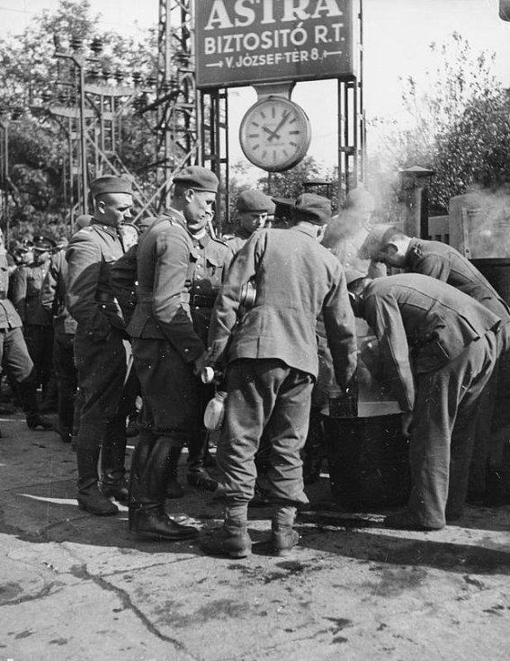 K napadení Polska se 17. září připojil Sovětský svaz